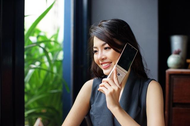 Thể hiện cá tính và phong cách độc đáo với điện thoại nắp gập đến từ Nhật Bản - Ảnh 5.