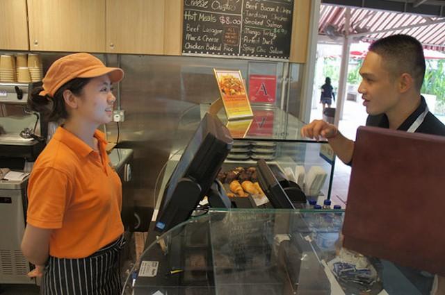 Học và thực tập có lương với chương trình du lịch hàng đầu Anh Quốc tại Singapore - Ảnh 2.