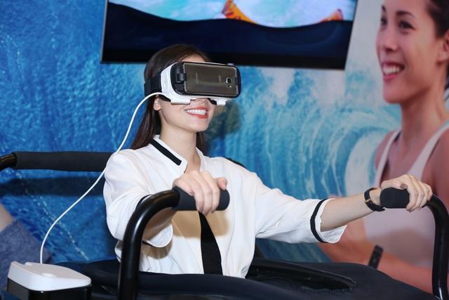 Galaxy Studio đưa giới trẻ Hà Nội lạc vào thế giới tương lai - Ảnh 3.