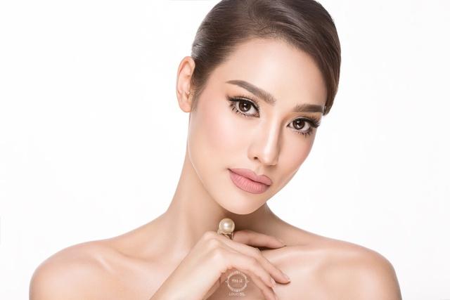 Lilly Nguyễn hoá nàng tiên cá bằng nghệ thuật body painting với Tina Lê - Ảnh 1.