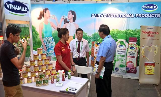 Vinamilk - Doanh nghiệp đầu tiên của Việt Nam được phép tự chứng nhận xuất xứ hàng hóa trong ASEAN - Ảnh 1.