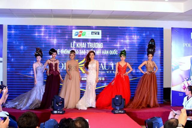 Hari Won rạng ngờidựkhai trương Hệ thống đào tạo thẩm mỹ Hàn Quốc Poly K-Beauty - Ảnh 4.