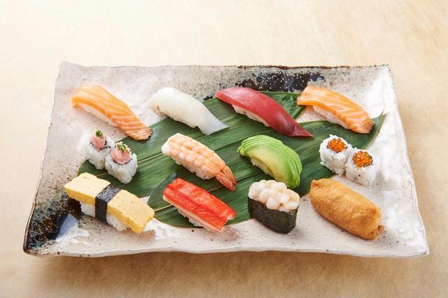Chiyoda Sushi Restaurant: Nước Nhật thu nhỏ giữa lòng thành phố - Ảnh 1.