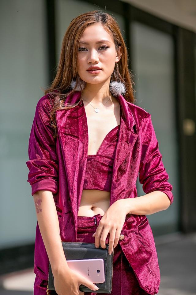 Màu hồng đang là hot trend mà sao ngoại lẫn sao Việt đều mê mẩn khi lên đồ cuối năm - Ảnh 8.