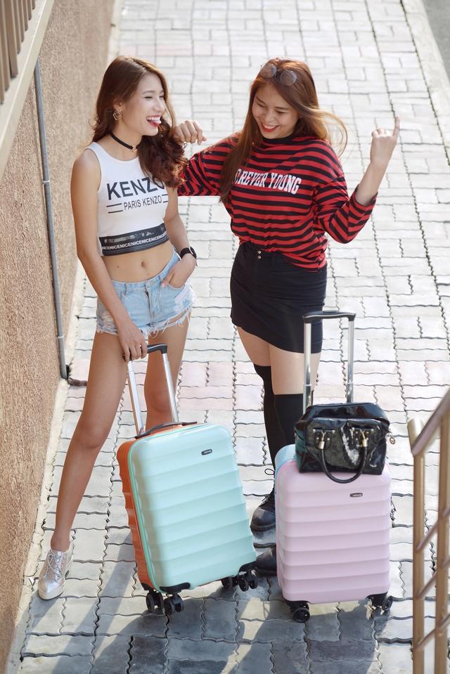 Những mẫu vali trẻ trung, ngọt ngào, chất lượng cho mùa lễ hội - Ảnh 3.