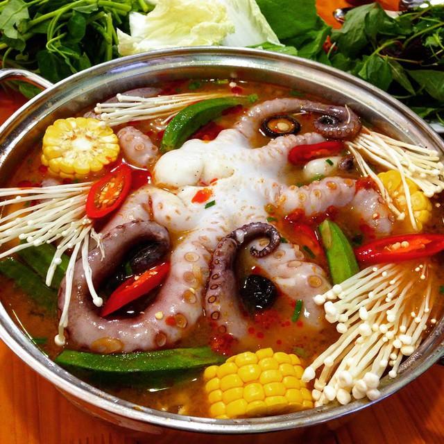 Trải nghiệm quán hải sản ruột của giới sành ăn Hà thành - Ảnh 4.