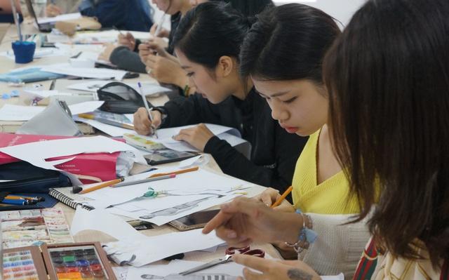 Chinh phục học bổng lên tới 280 triệu đồng từ Học viện thiết kế và thời trang London, bạn dám thử? - Ảnh 4.