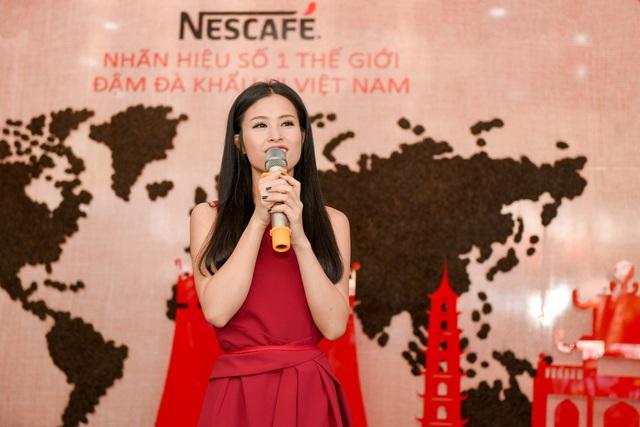 Đông Nhi và sự xuất hiện bất ngờ tại Lễ hội cà phê - Ảnh 5.