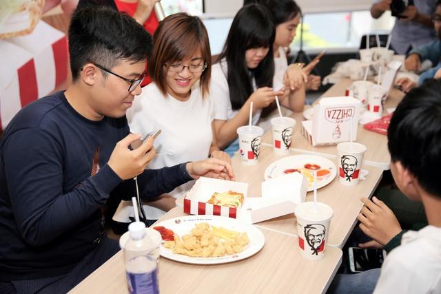KFC tung món ăn độc đáo lần đầu tiên xuất hiện tại Việt Nam - Ảnh 6.