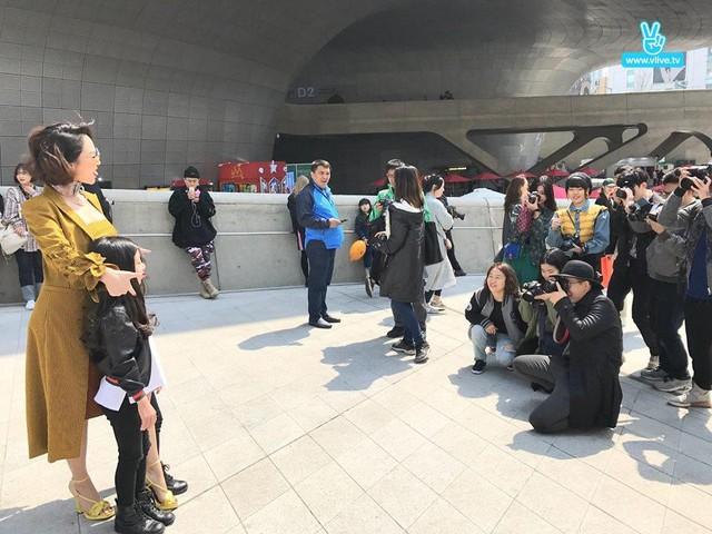 Hành trình ấn tượng của Tóc Tiên tại Seoul Fashion Week - Ảnh 1.