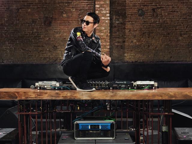DJ Ookay cùng dàn top DJ Việt biểu diễn trong sự kiện EDM hoành tráng dịp cuối năm - Ảnh 11.