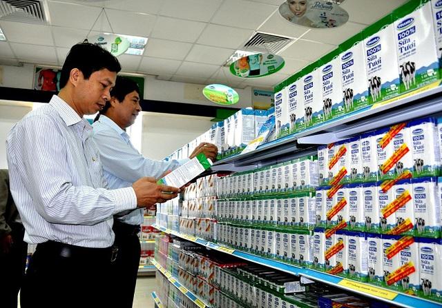 Vinamilk đứng đầu top 10 doanh nghiệp niêm yết uy tín tại Việt Nam năm 2016 - Ảnh 3.