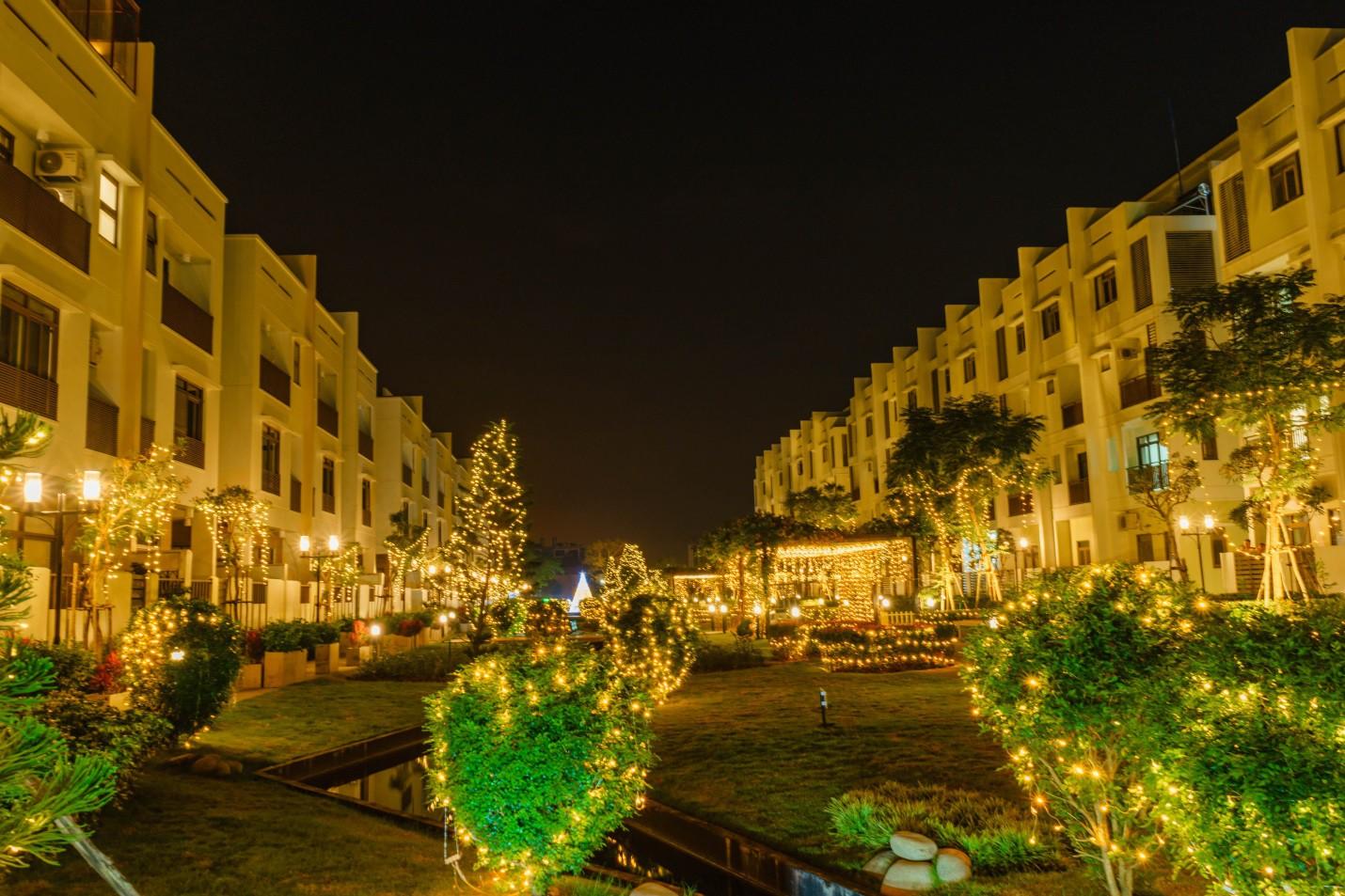 Một không khí Giáng sinh vô cùng sang chảnh dành cho cư dân tại công viên kiểu Nhật MIDORI PARK - Ảnh 1.