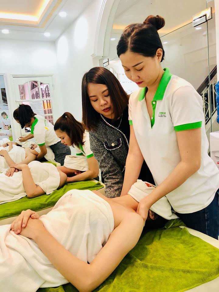 Thực hành kỹ thuật ngành spa – thẩm mỹ trên người thật: Những trải nghiệm quý giá cho học viên mới vào nghề - Ảnh 2.