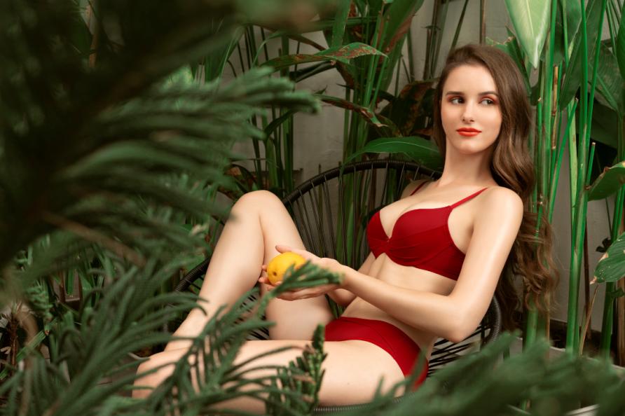 Đón năm mới, thương hiệu nội y Pháp CorèleV. ra mắt BST chiều lòng phái đẹp - Ảnh 1.