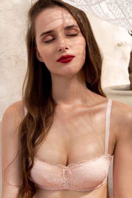 Đón năm mới, thương hiệu nội y Pháp CorèleV. ra mắt BST chiều lòng phái đẹp - Ảnh 7.
