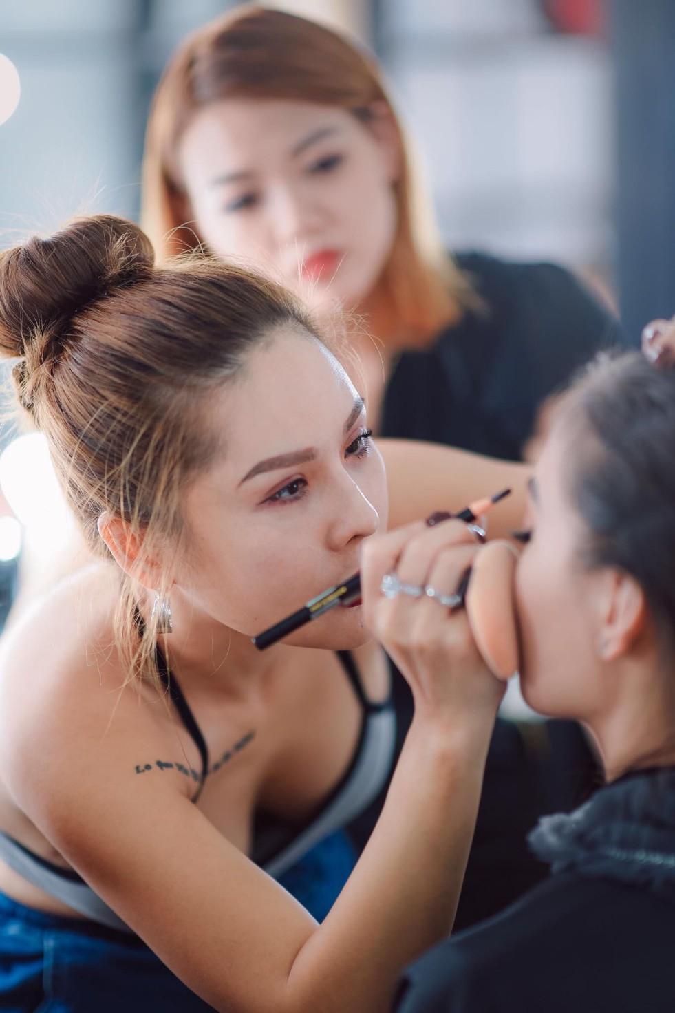 Tina Lê make up: nhân vật truyền cảm hứng cho các thế hệ học trò về làm đẹp - 1 năm nhìn lại - Ảnh 1.