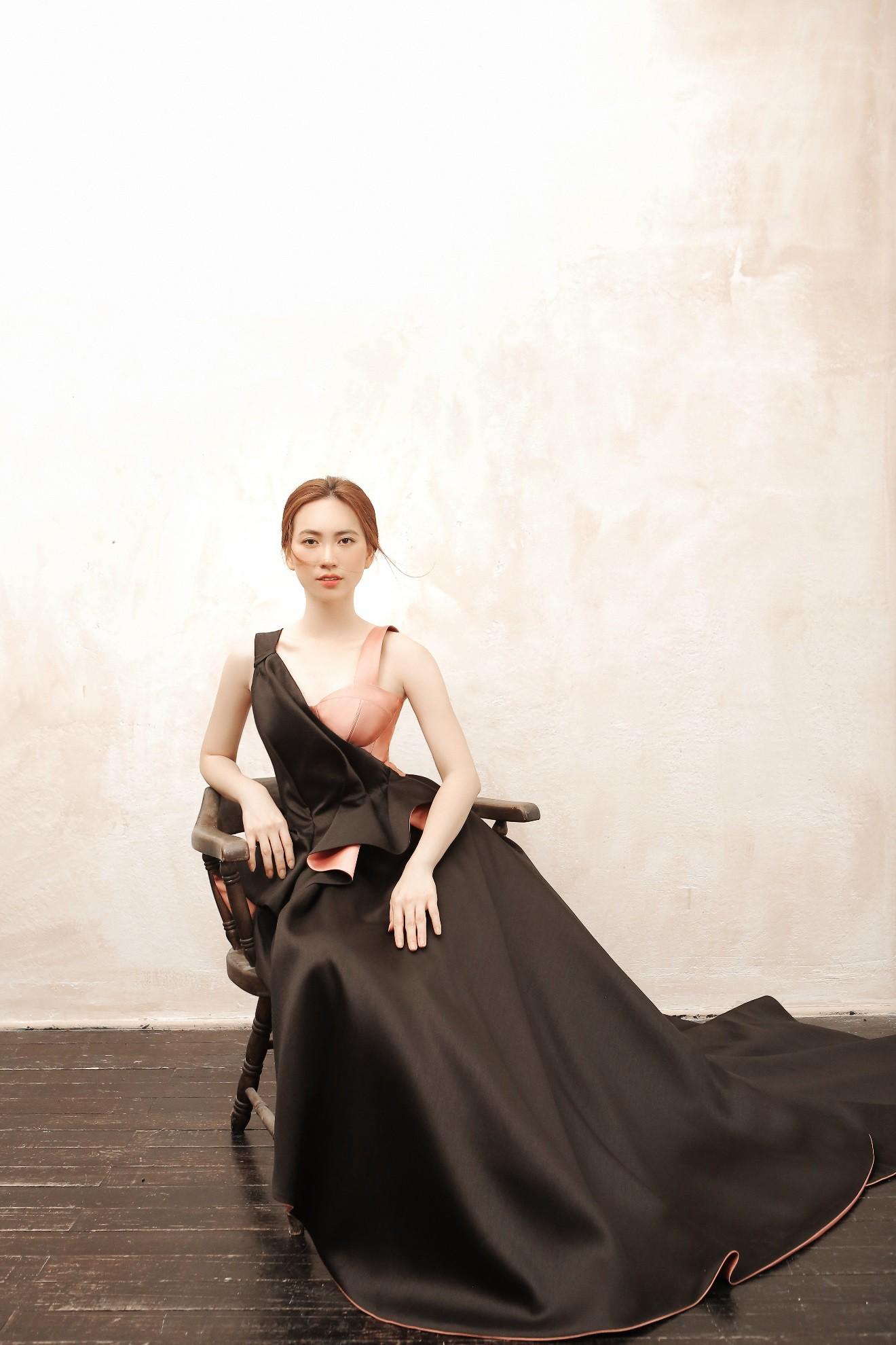 """Sau """"Chàng vợ của em"""", Phương Anh Đào đầy xinh đẹp, cuốn hút trong BST từng xuất hiện trên Vogue của PHUONG MY - Ảnh 10."""