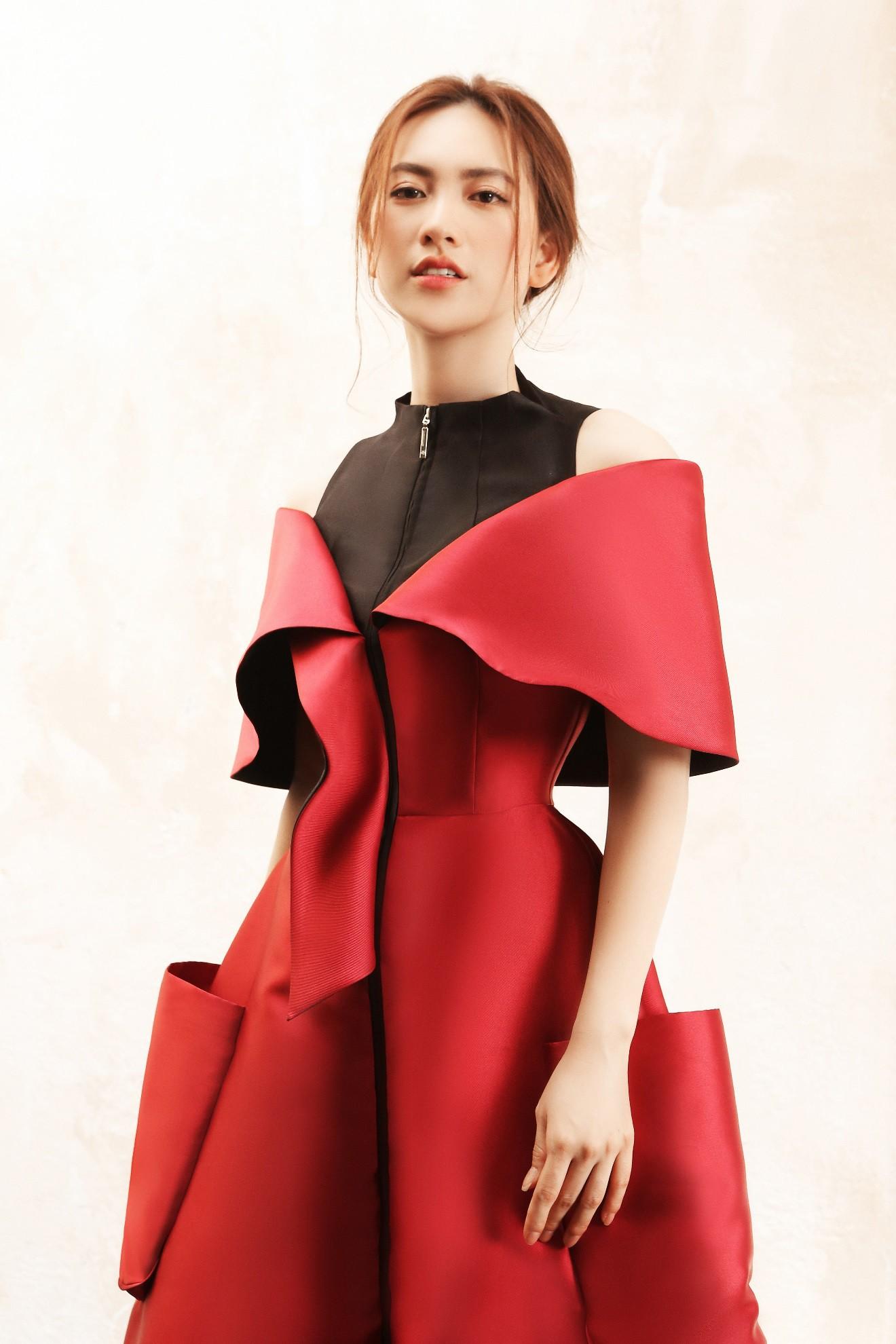 """Sau """"Chàng vợ của em"""", Phương Anh Đào đầy xinh đẹp, cuốn hút trong BST từng xuất hiện trên Vogue của PHUONG MY - Ảnh 4."""