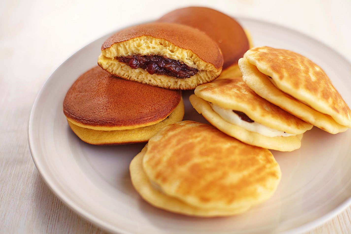 Điểm danh 4 loại bánh ngọt nổi tiếng Nhật Bản có ngay giữa lòng Hà Nội
