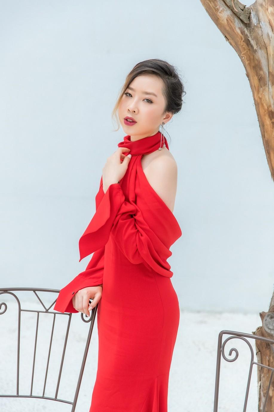 """Gặp gỡ cô nàng du học sinh """"mặc chất"""" như fashionista khiến NTK Văn Thành Công xao xuyến - Ảnh 7."""
