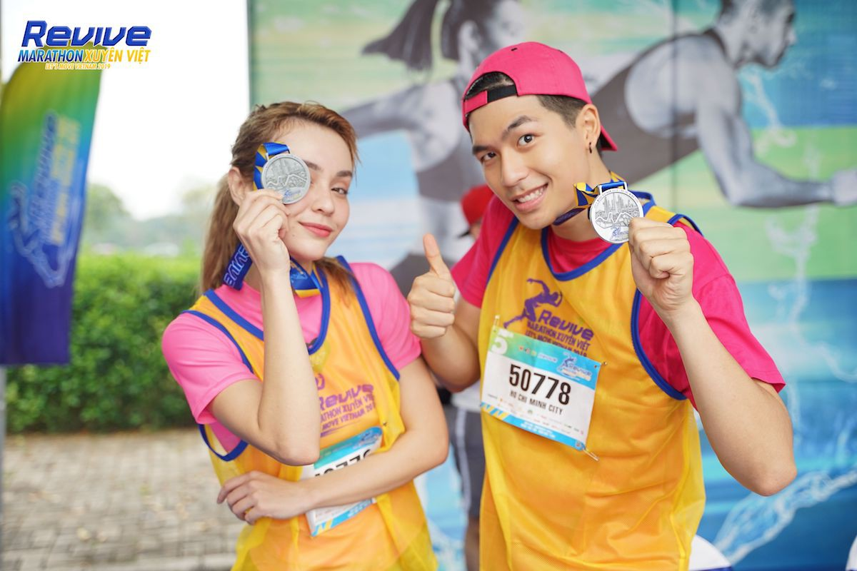 Minh Hằng, Mlee, Quốc Anh... thử sức mình trong giải Revive Marathon Xuyên Việt - Ảnh 2.