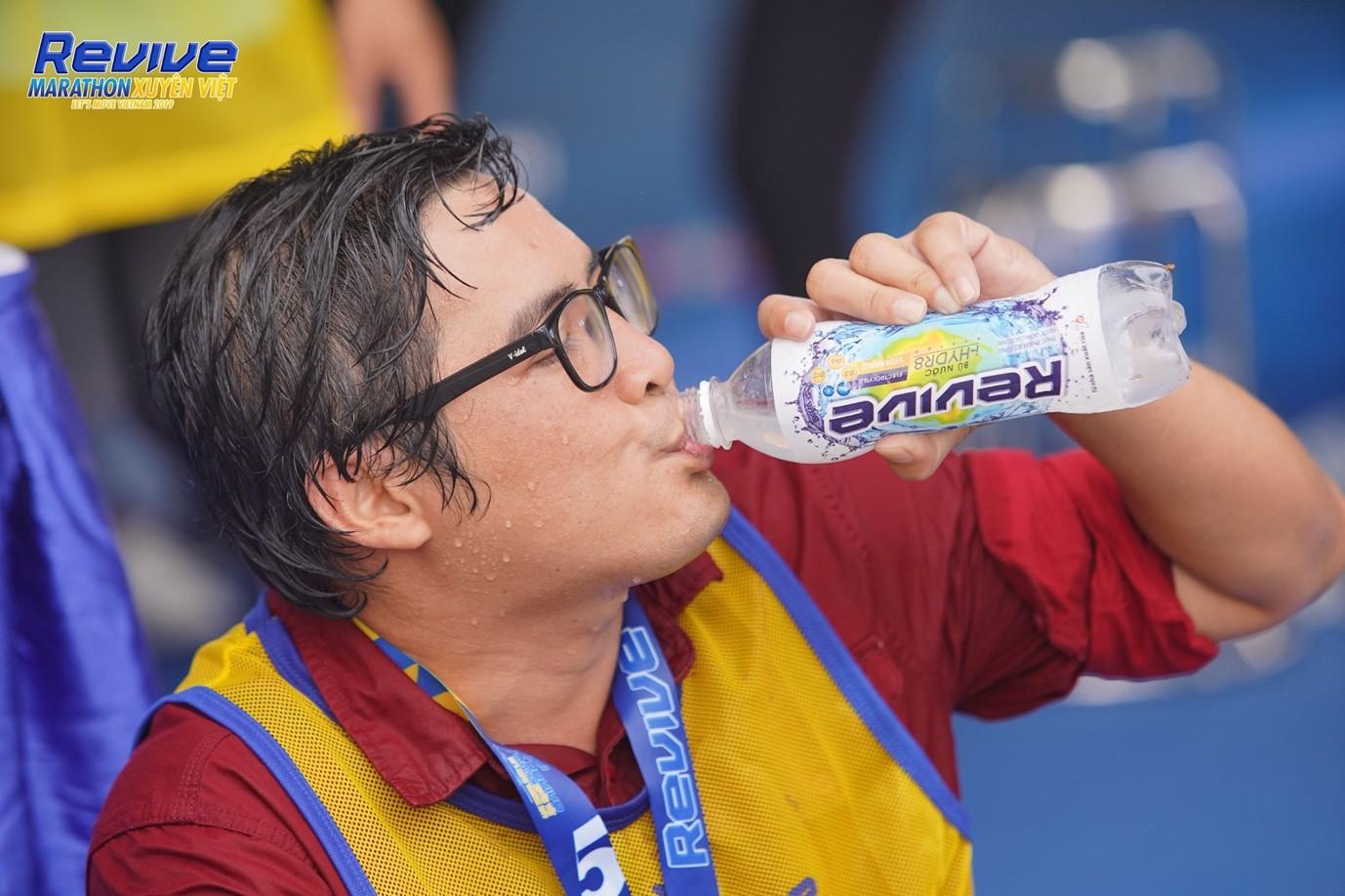 Minh Hằng, Mlee, Quốc Anh... thử sức mình trong giải Revive Marathon Xuyên Việt - Ảnh 4.