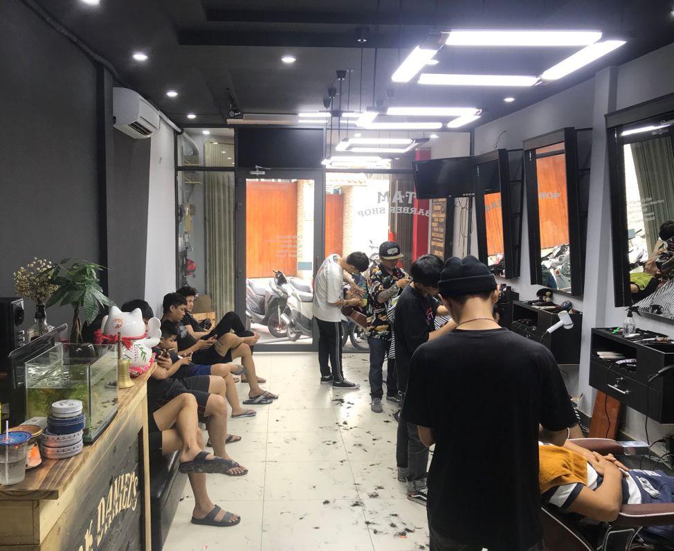 TAM Barbershop – Nơi thổi màu lên mái tóc cho giới trẻ Sài thành - Ảnh 2.
