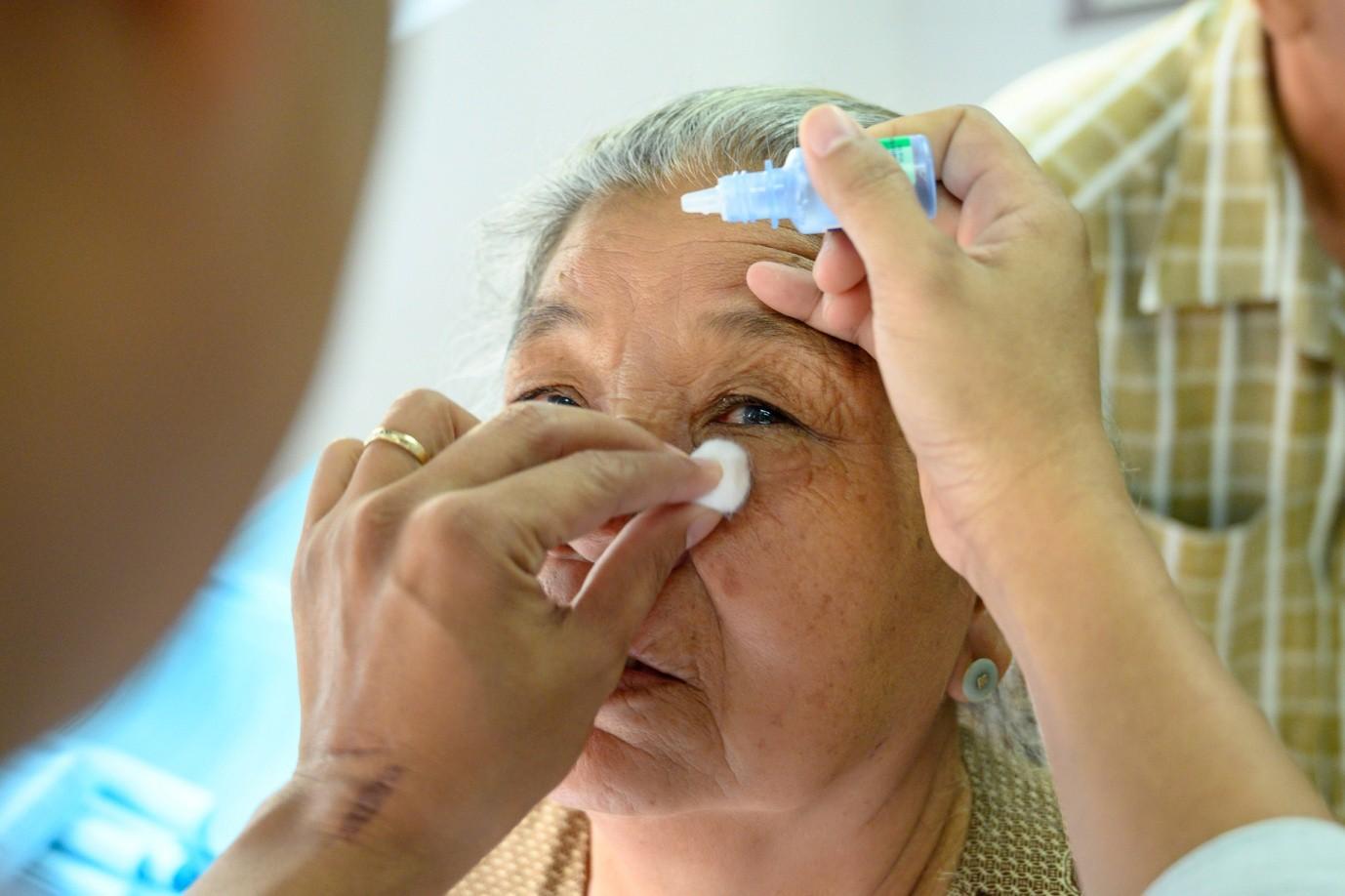 3 bước chăm sóc để có đôi mắt sáng khỏe - Ảnh 1.