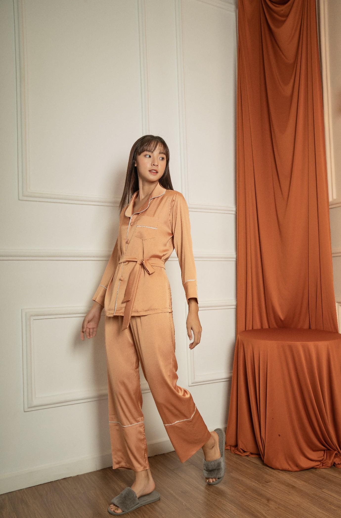 Từ khi nào pyjama trở thành streetwear thế này? - Ảnh 4.