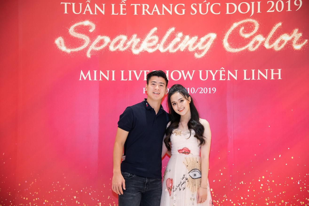 Đến Tuần lễ Trang sức DOJI 2019, Duy Mạnh mua nhẫn kim cương tặng bạn gái dịp 20/10 - Ảnh 1.