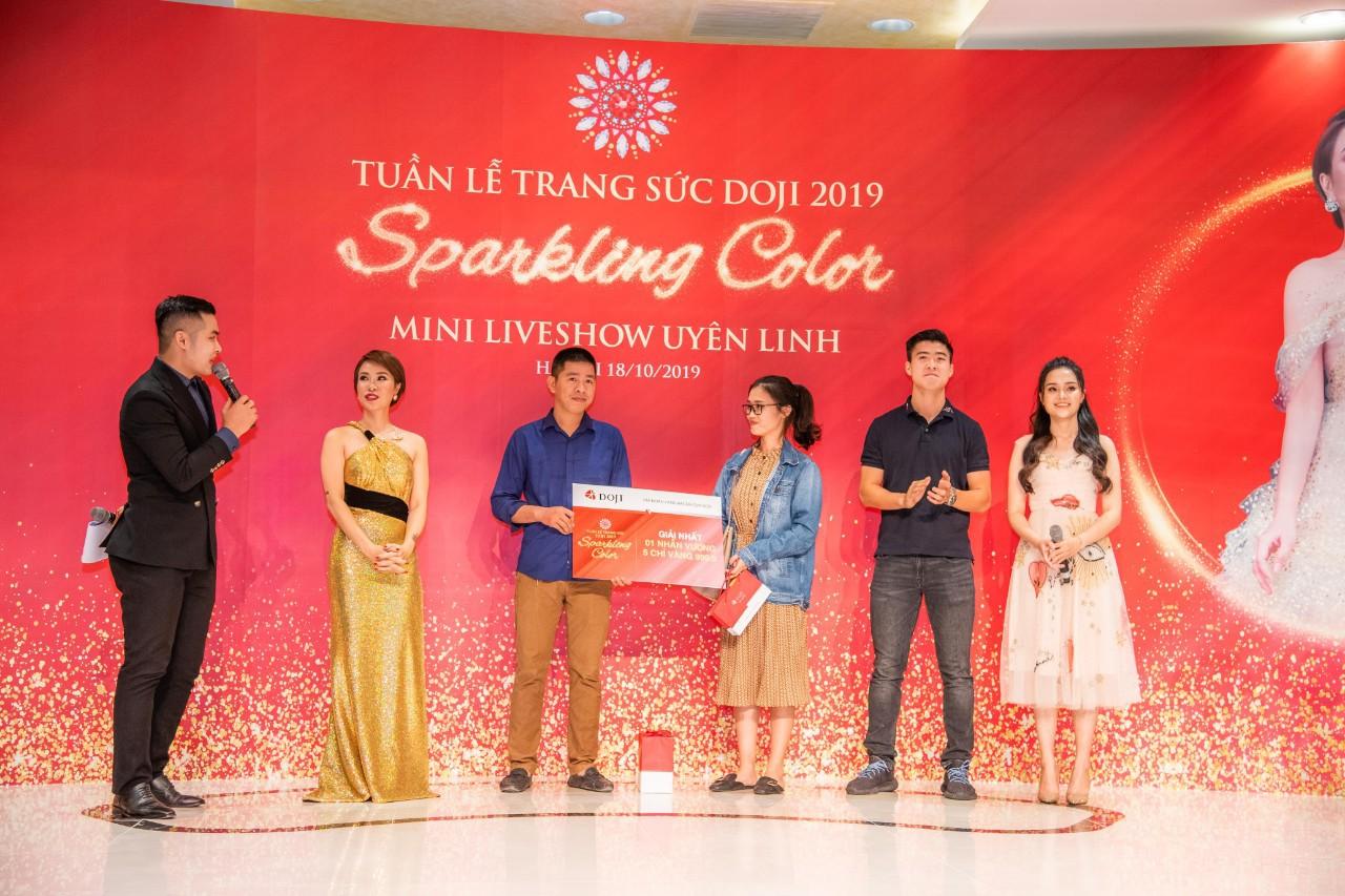 Đến Tuần lễ Trang sức DOJI 2019, Duy Mạnh mua nhẫn kim cương tặng bạn gái dịp 20/10 - Ảnh 4.