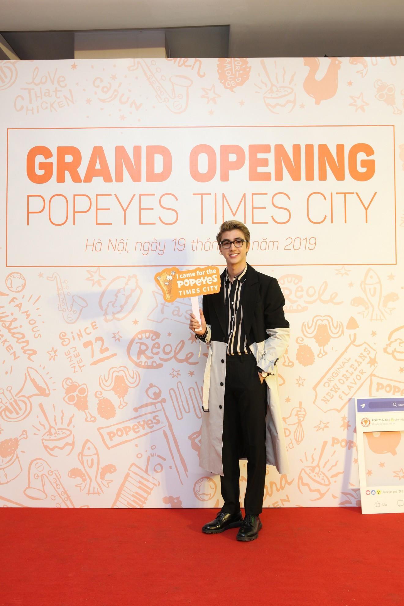 Bình An bảnh bao, Bảo Hân chất lừ đi dự sự kiện tại Times City - Ảnh 2.