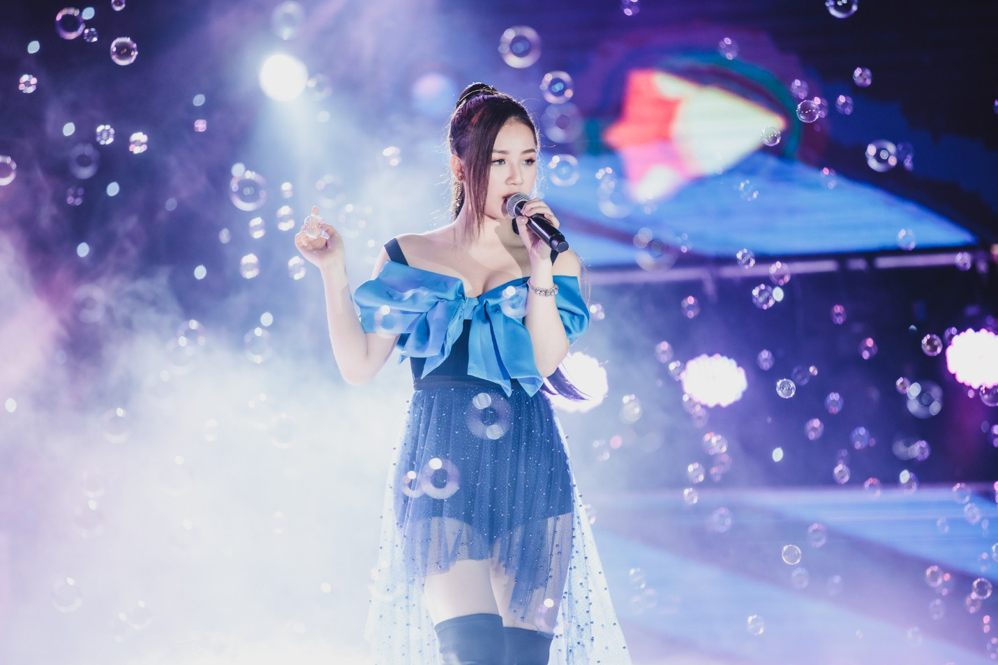 Dàn sao K-pop cháy hết mình với khán giả Việt cuối tuần qua - Ảnh 6.