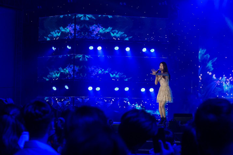 Dàn sao K-pop cháy hết mình với khán giả Việt cuối tuần qua - Ảnh 4.