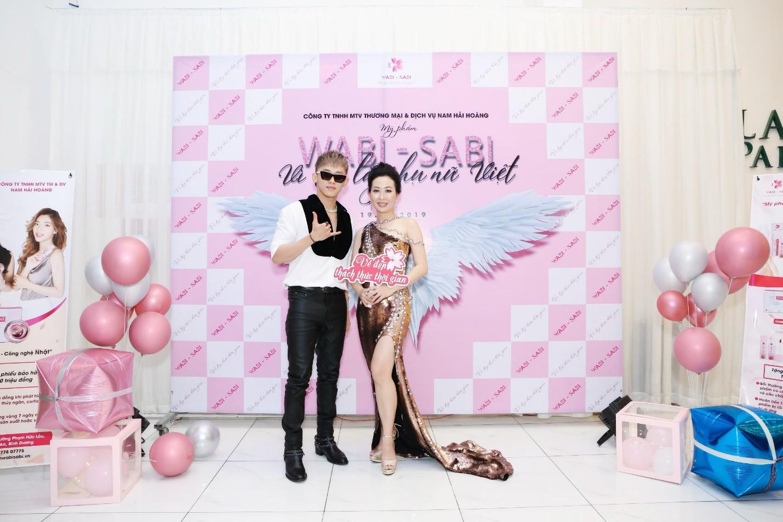 Kay Trần quẩy cực sung trong event Vì Tôi Là Phụ Nữ Việt dành riêng fan nữ nhân ngày 20/10 - Ảnh 2.