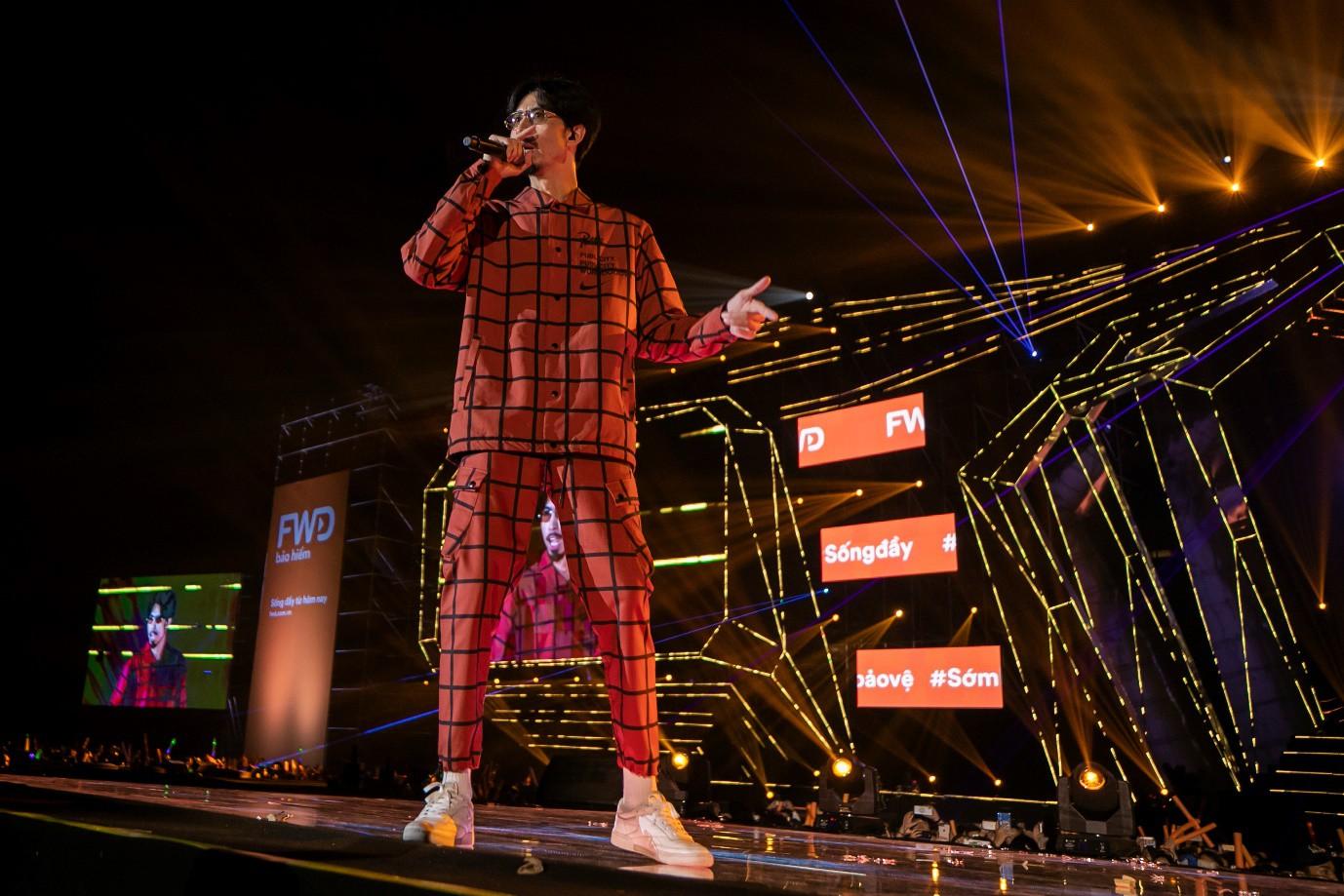 Sơn Tùng M-TP, Đen Vâu, Tóc Tiên, Hồ Ngọc Hà… mang đến quá nhiều màn trình diễn đỉnh cao tại FWD Music Fest - Ảnh 4.