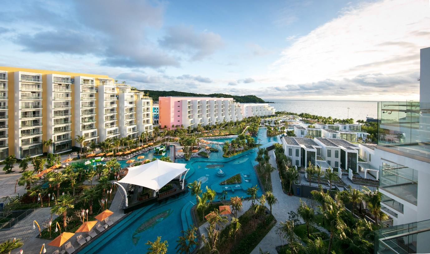 Ưu đãi cực hấp dẫn cho kỳ nghỉ đẳng cấp 5* tại Premier Residences Phu Quoc Emerald Bay - Ảnh 2.