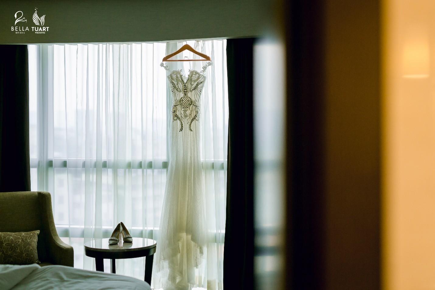 Chiêm ngưỡng bộ ba váy cưới đính kim cương trong đám cưới của nữ giảng viên Âu Hà My - Ảnh 9.