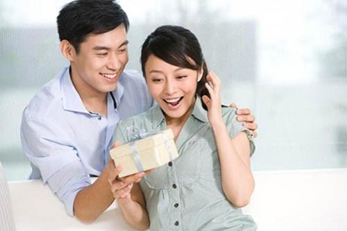 Thứ Sáu bùng nổ niềm vui vì cả nhà ai cũng có quà, ưu đãi thả ga cùng Vietcombank - Ảnh 1.