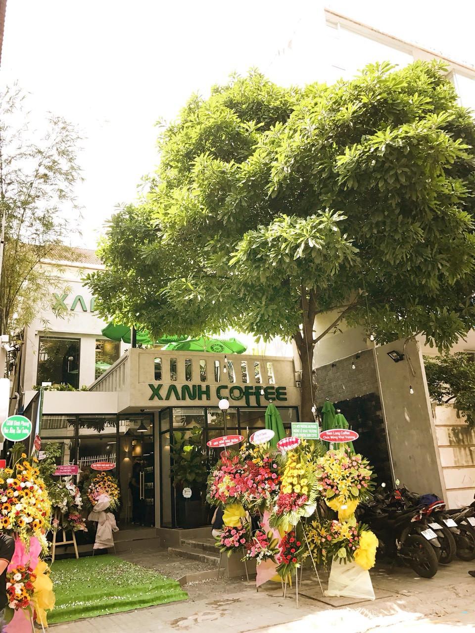"""Xanh Coffee khuấy động ở """"khu phố cà phê"""" Sài Gòn """"hút"""" nhiều nghệ sĩ Việt - Ảnh 1."""