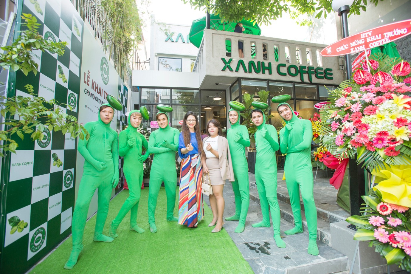 """Xanh Coffee khuấy động ở """"khu phố cà phê"""" Sài Gòn """"hút"""" nhiều nghệ sĩ Việt - Ảnh 6."""