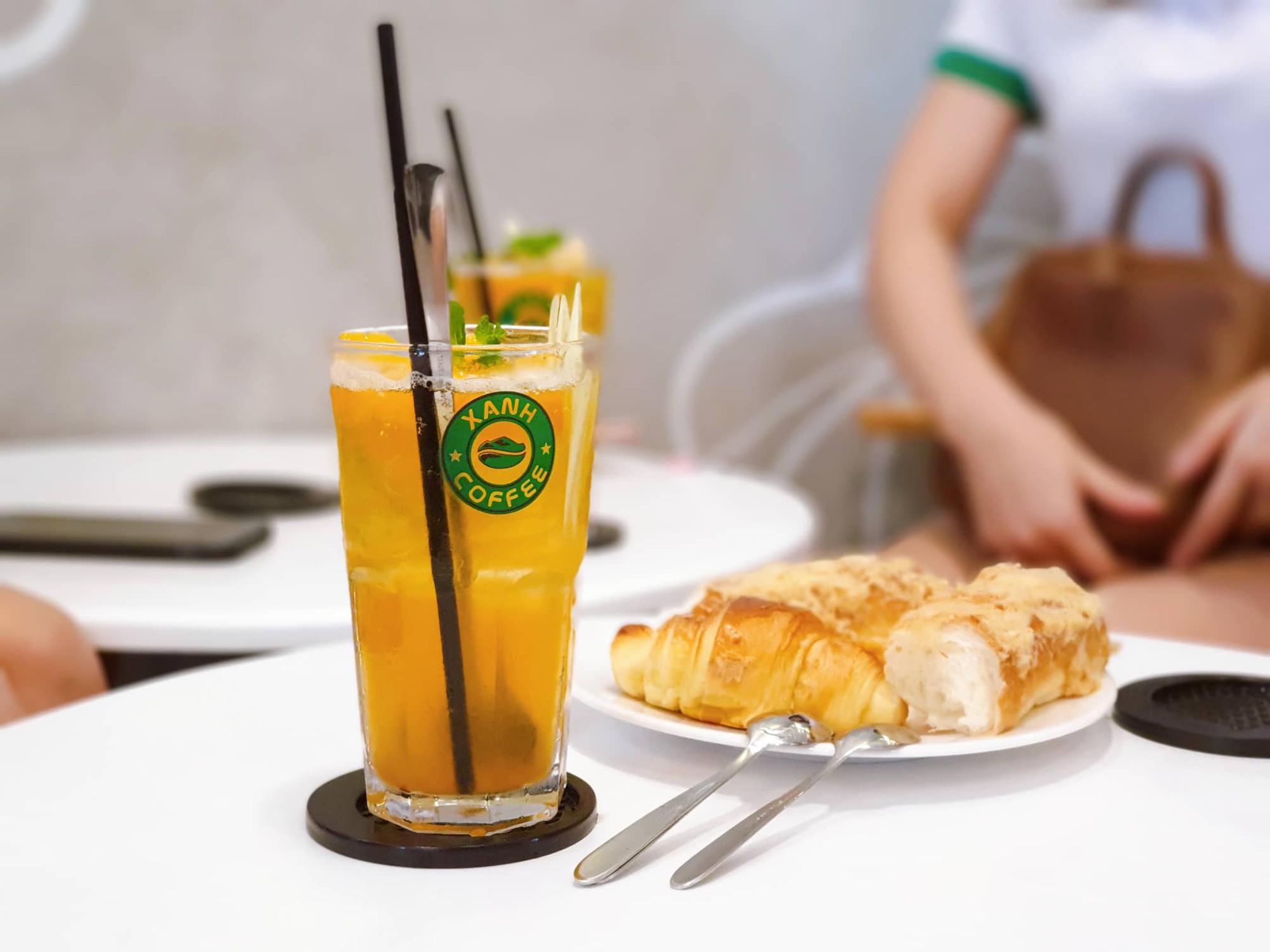 """Xanh Coffee khuấy động ở """"khu phố cà phê"""" Sài Gòn """"hút"""" nhiều nghệ sĩ Việt - Ảnh 7."""