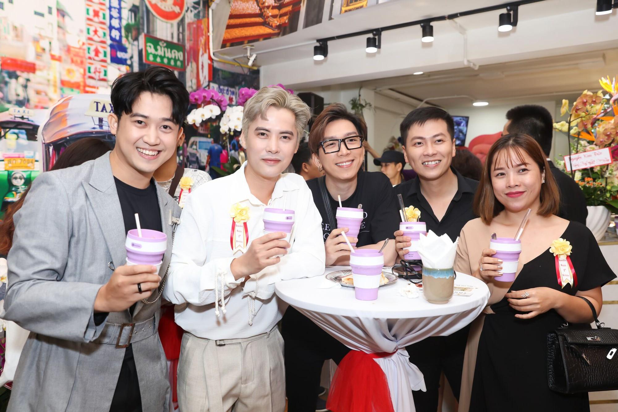 Trà sữa chuẩn vị Thái Lan lần đầu chào sân Sài thành - Ảnh 4.