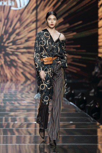 IVY moda khẳng định xu hướng thời trang Thu Đông 2019 cùng BST Step Out - Ảnh 1.