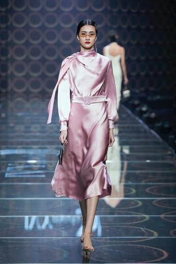 IVY moda khẳng định xu hướng thời trang Thu Đông 2019 cùng BST Step Out - Ảnh 7.