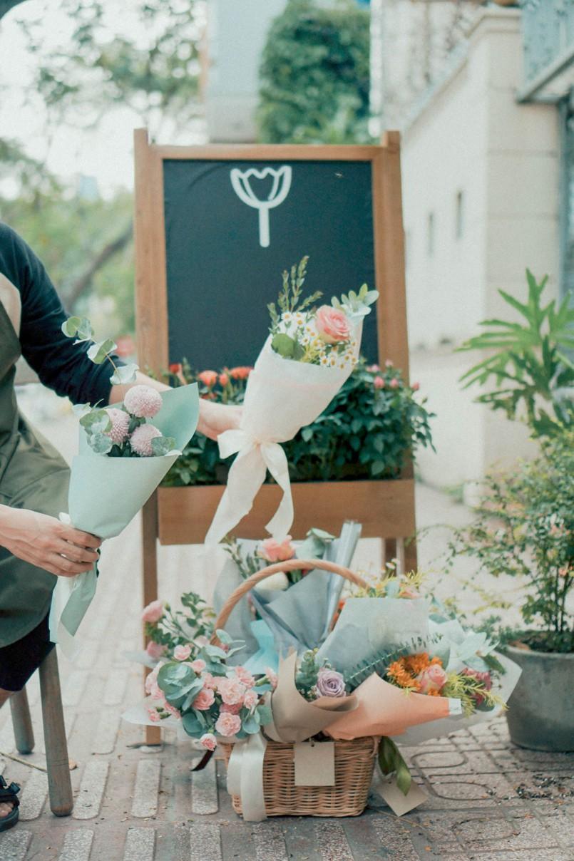 Tiệm hoa Dear Rainy: Mong các bạn tìm được chất liệu tô vẽ nét đáng yêu của cuộc sống - Ảnh 8.