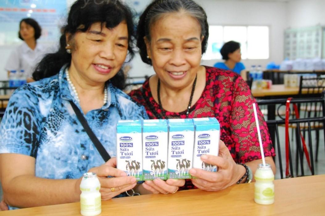 Vinamilk tổ chức nhiều hoạt động ý nghĩa cho người cao tuổi cả nước - Ảnh 3.