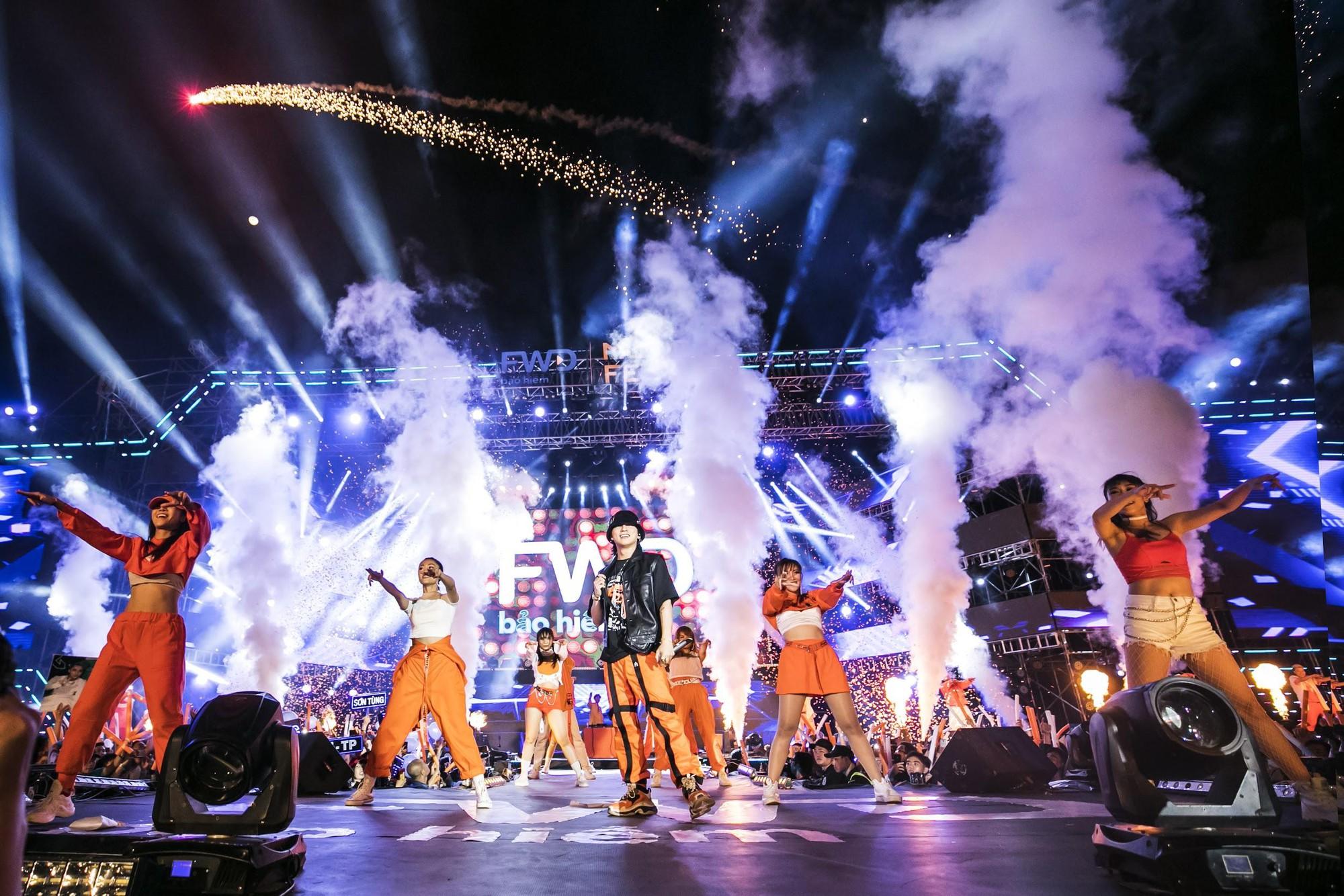 Sơn Tùng trở lại, Đen Vâu lần đầu góp mặt: Liệu hit nào sẽ làm nổ tung sân khấu đại nhạc hội tháng 10 này! - Ảnh 2.