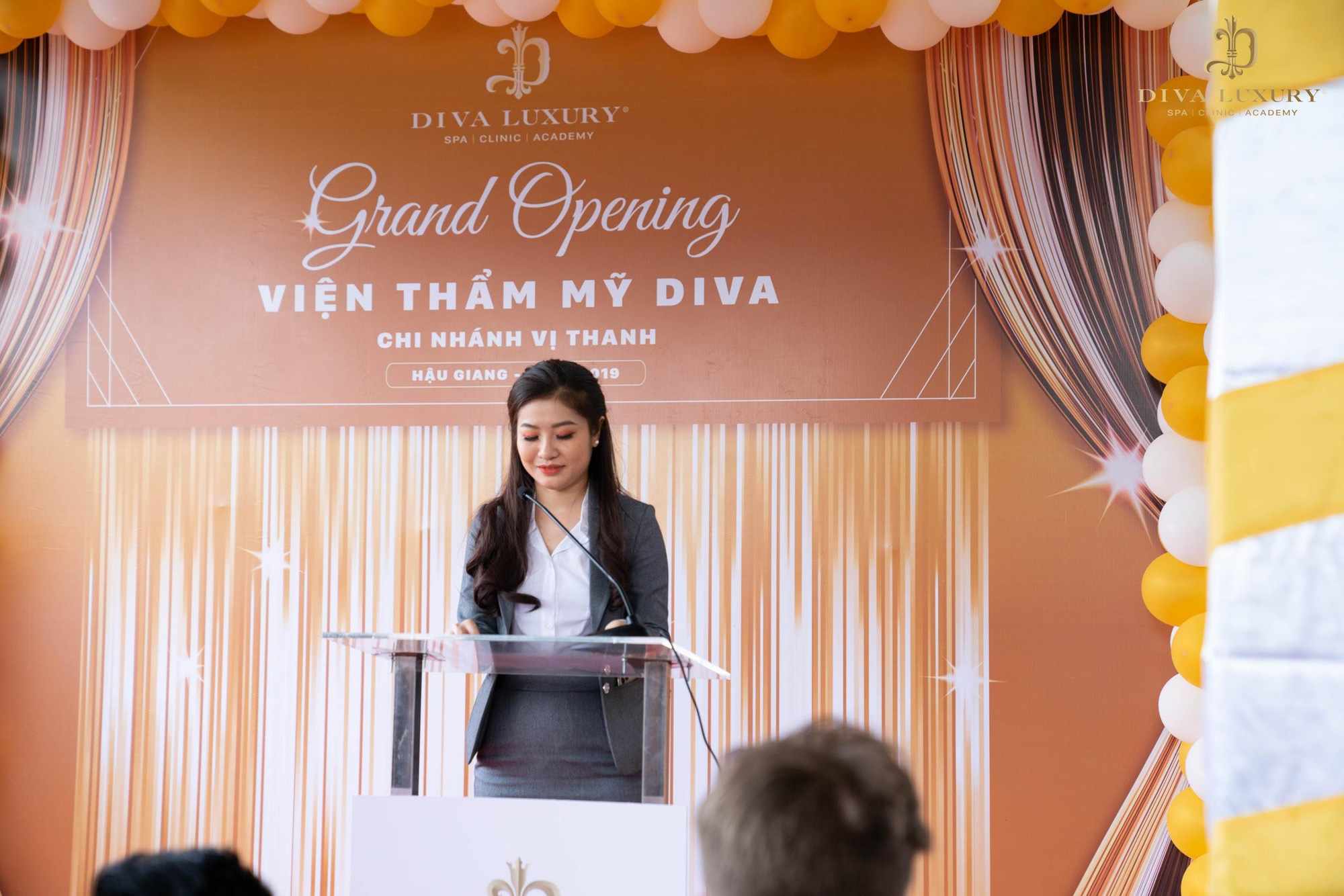 """Thẩm mỹ viện DIVA Vị Thanh - Hậu Giang """"quá tải"""" trong ngày đầu khai trương - Ảnh 4."""